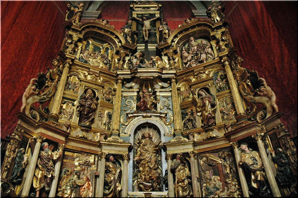 Retablo de la Antigua, hoy en la catedral de Valladolid, de Juan de Juni